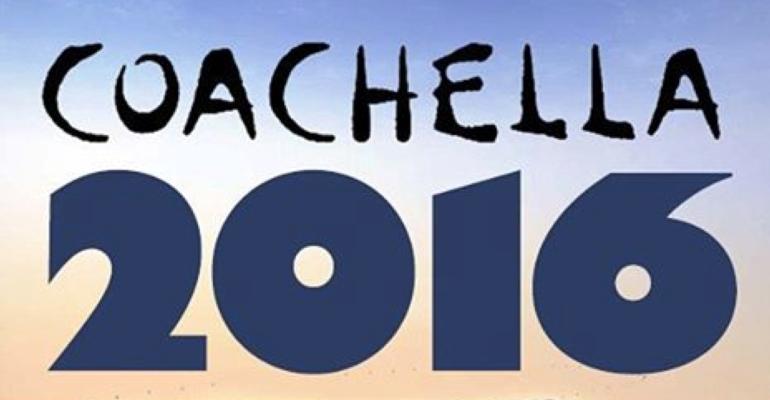 Coachella 2016, Kellan Lutz subito cor muscolo ar vento