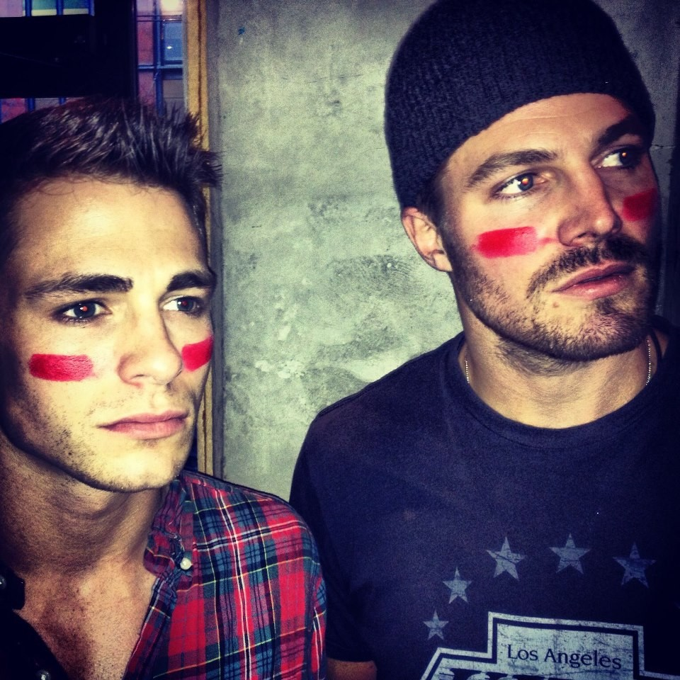 Arrow, Stephen Amell commenta il coming out di Colton ...
