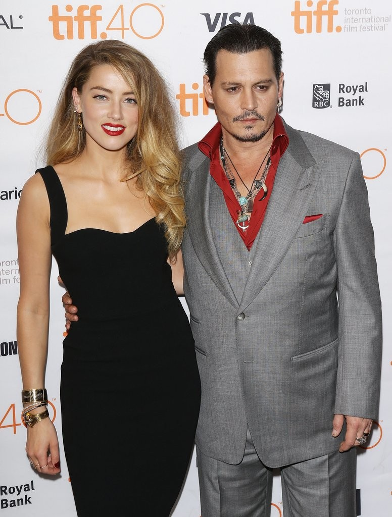 Johnny-Depp-Amber-Heard-Black-Mass-Premiere-Pictures-TIFF