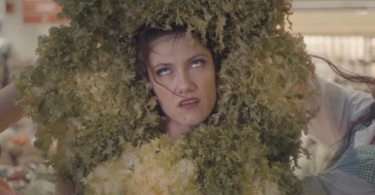 Love Me Forever, il nuovo video di Elisa