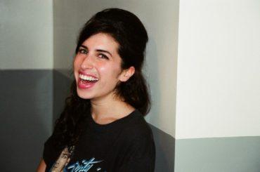 Amy Winehouse 19enne, foto inedite dal 2003