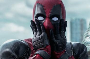 Deadpool, on line la scena con Ryan Reynolds tutto nudo e ciolla al vento