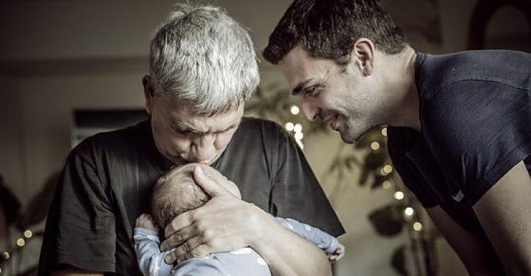 Nichi Vendola, prima intervista da papà arcobaleno: 'fuggiti in Canada, fateci vivere in pace'