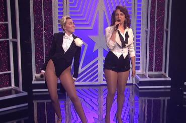 Miley Cyrus & Maya Rudolph Medley cantano il GENDER FLUID – video