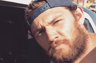 Alex Pettyfer versione muscle bear su Instagram – foto