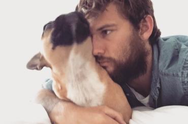 Alex Pettyfer sexy barbuto Instagram – foto