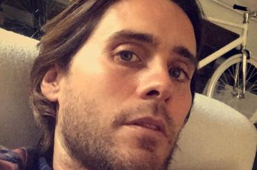 Jared Leto a Roma grida 'bocchino bocchino' per strada – video