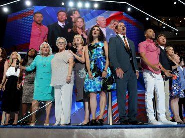 """What the World Needs Now"", Broadway incanta la convention democratica per dire stop alla violenza armata"