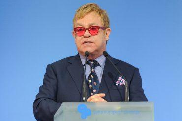 Da Elton John a Nicole Kidman, i divi donano milioni di dollari per l'Australia devastata dagli incendi