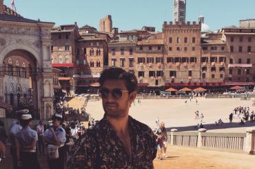 Alex Pettyfer, vacanze da bono in Toscana – foto