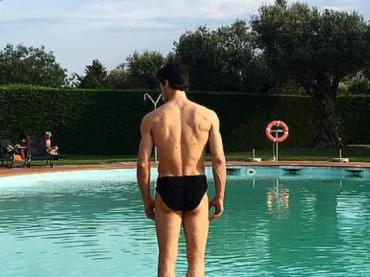 Roberto Bolle, primo costume Instagram dell'estate 2016 – foto
