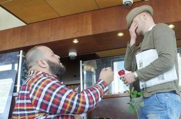 Looking, proposta di matrimonio gay per Daniel Franzese
