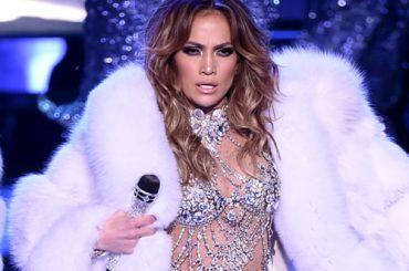 Jennifer Lopez, vandalizzata la stella sulla Walk of Fame – foto