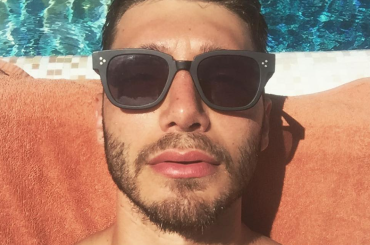 Stefano De Martino completamente sbarbato – la foto Instagram