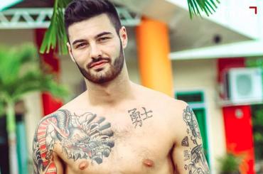 Naked Attraction, anche Mr. UK Mark Redfearn tutto nudo tra i concorrenti – le foto