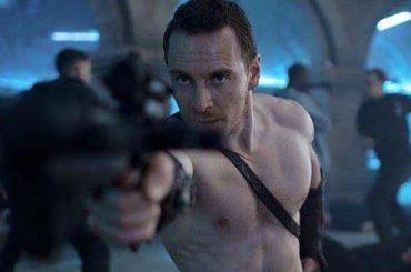 Assassin's Creed, Michael Fassbender gnocco (e senza mutande?) in una nuova foto promozionale
