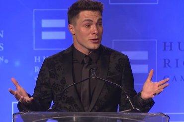 Human Rights Campaign, Colton Haynes in lacrime per il premio: 'gay è naturale come lo è il colore dei miei occhi