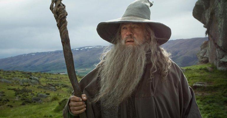 Ian McKellen confessa: ho rifiutato 1.5 milioni di dollari per officiare un matrimonio vestito da Gandalf