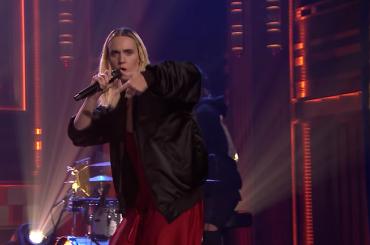 Final Song, MØ live da Jimmy Fallon – video
