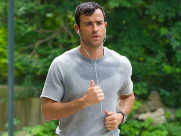 Justin Theroux imbarazzato dalla 'tuta con pacco' di The Leftovers