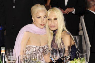 American Crime Story: Versace – Lady Gaga sarà una perfetta Donatella: la foto verità