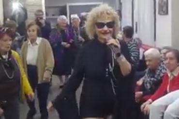Angela Favolosa Cubista in tour – il video