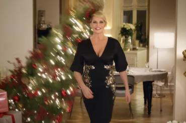 Pittarosso, lo spot natalizio di Simona Ventura – video