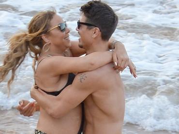 Mariah Carey si sbatte il ballerino 33enne Bryan Tanaka – le foto d'amore dalle Hawaii