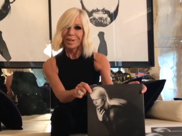 Donatella Versace, tour tra New York, Londra e Milano per il suo primo libro – lo spot social