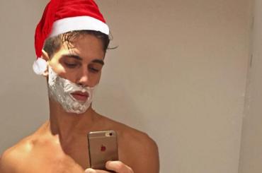 Fabio Mancini, è pacco natalizio su Instagram – foto