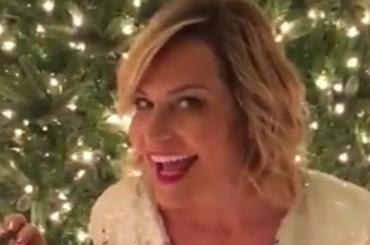 Buon Natale da Simona Ventura (alla Shining) – video