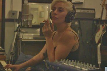 Lady Gaga, dietro le quinte su come è nata Million Reasons – video