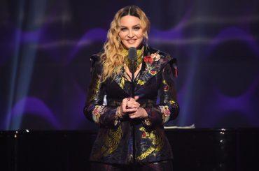 Lady Gaga si complimenta con Madonna: 'disorso entusiasmante ai Billboard Music Awards, grazie per essere così forte e coraggiosa'