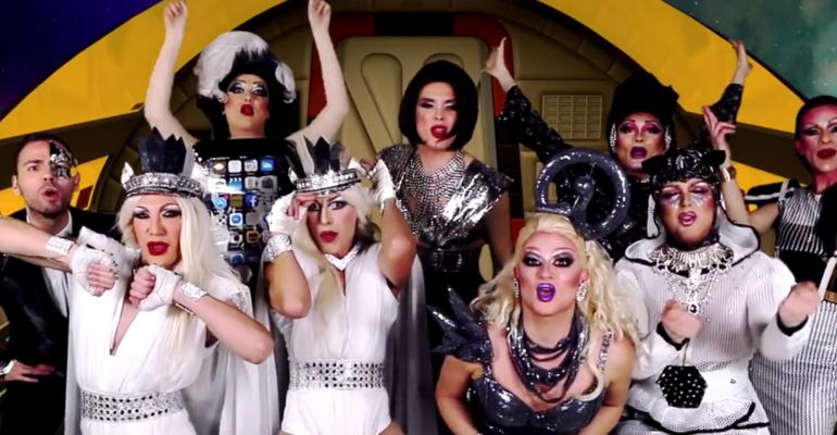 Drag Factor 2017, la sigla sulle note delle Spice Girls – ecco SBATTENDOTI, video