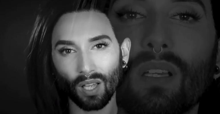 Conchita Wurst canta Love Yourself di Justin Bieber, video