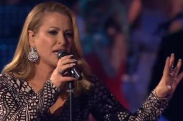 Music, Anastacia canta I Don't Want to Miss a Thing  degli Aerosmith – video