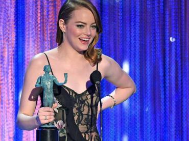 SAG Awards 2017, i vincitori: trionfa Netflix – Emma Stone e Viola Davis volano verso gli Oscar