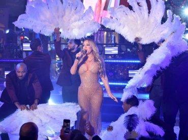 Capodanno flop per Mariah Carey: salta il playback e avviene l'inimmaginabile – video