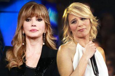 C'è posta per te vs Ballando, Maria chiama Luciana Littizzetto e Simona Ventura (mascherandosi da Raffaella Carrà)
