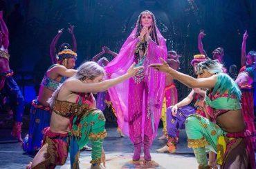 Cher SHOW al  Monte-Carlo Park Theater di Las Vegas, tutti i suoi folli look