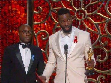 Oscar 2017, Tarell Alvin McCraney  di Moonlight e la dedica LGBT – video