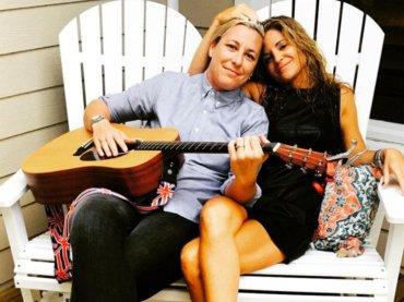 Abby Wambach, la leggenda del calcio USA sposa Glennon Doyle Melton