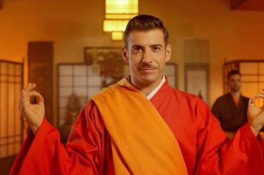 """Occidentali's Karma"" di Francesco Gabbani vola anche tra le radio estere"