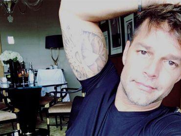 Rikcy Martin confessa: 'ho capito di essere gay davanti a John Travolta in mutande ne La febbre del Sabato Sera'