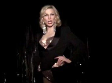 Cate Blanchett versione drag queen per beneficenza allo Stonewall Inn di New York – video