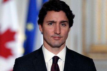 Justin Trudeau, le chiappe del primo ministro canadese fanno impazzire Internet – foto
