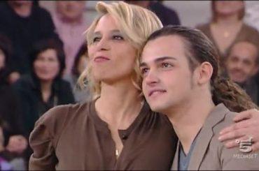 Ballando 2017, Valerio Scanu vs. Maria De Filippi: 'impacciata a Sanremo, non sembrava nemmeno lei, giornalisti lec*acu*o'