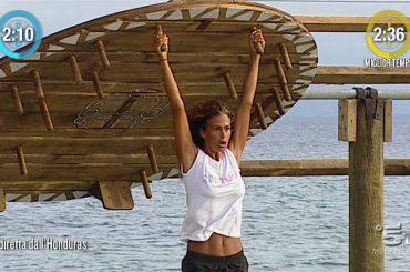 Isola, salvate la Regina Samantha dall'insostenibile giullare Raz