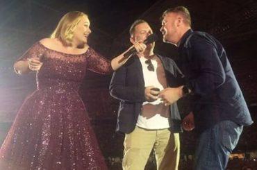 Adele, nuova proposta di matrimonio gay dal palco – video