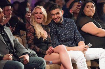 Britney Spears e Sam Asghari alla  L.A. Fashion Week  per veder sfilare la sorella di lui – foto
